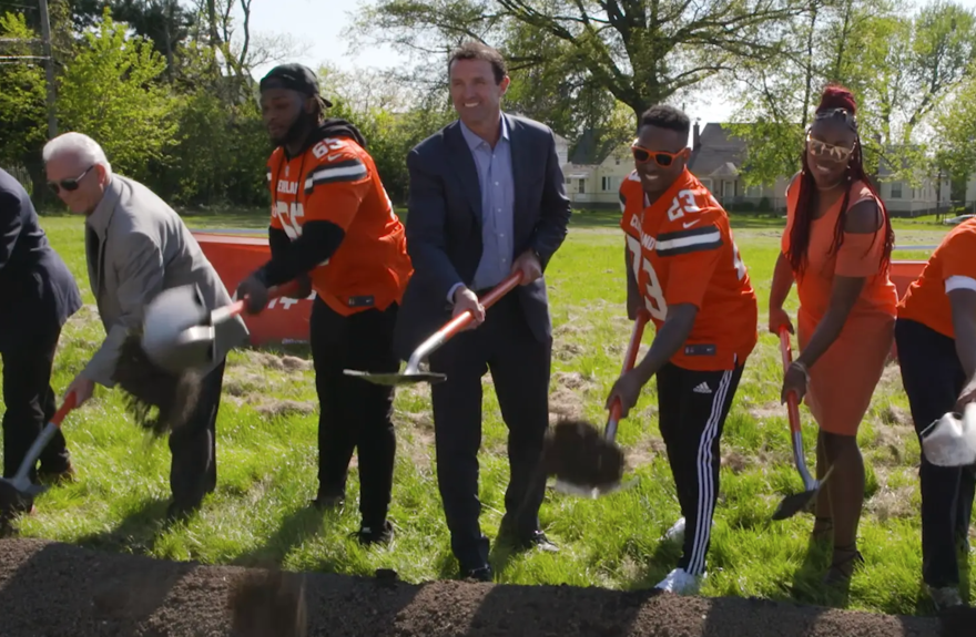 cleveland-browns-inspire-change-by-supporting-local-youth-football-programs